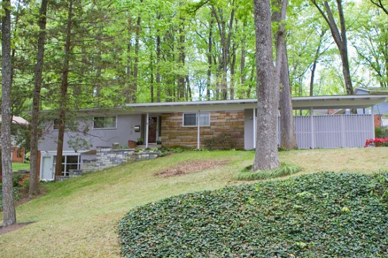 Mid-century modern homes in Lake Barcroft.