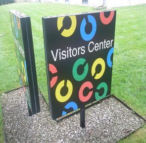Columbus visitors sign