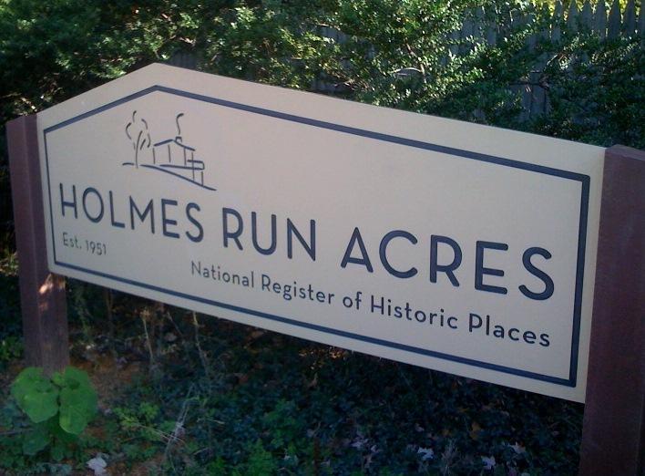 Holmes Run Acres sign