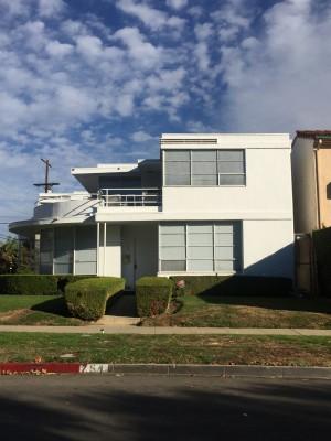 Bauhaus-Style LA