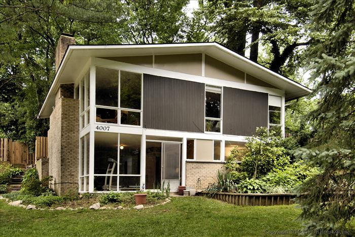 web_exterior-front-yard-1
