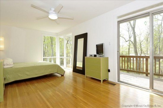 web_main-level-master-bedroom-1-550x365