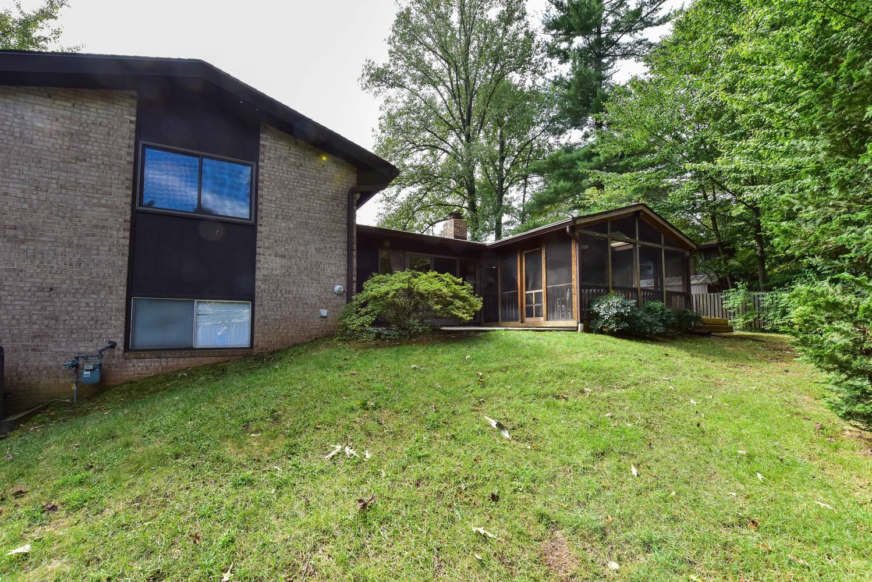 14521-Woodcrest-Dr-Rockville-large-036-13-DSC-2962-1499x1000-72dpi