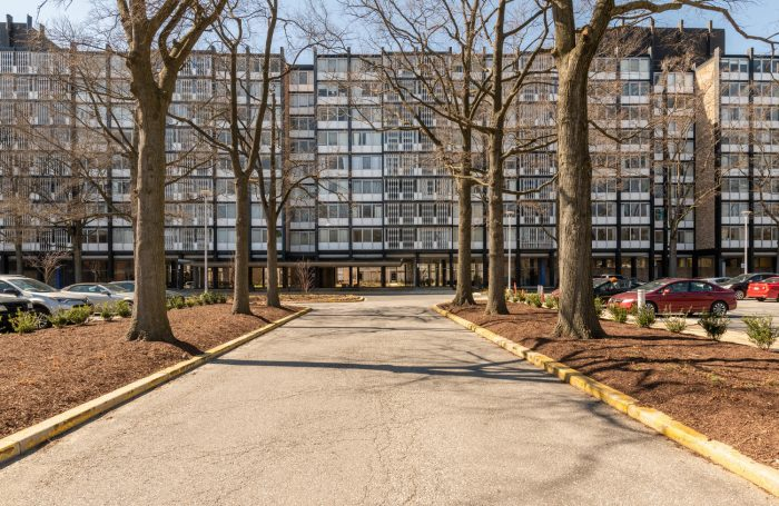 Charles Goodman-designed apartment in River Park
